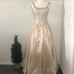 Dresses & Skirts - Princess Evening Formal Gown Golden Cream Size 2-4